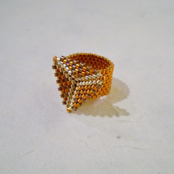 Delica Beaded Ring with Triangle, Miyuki Delica, Peyote Ring, Seed Bead Ring, Glass Beads, Triangle Ring, Band Ring, Beaded Ring