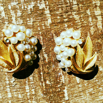 Trifari Earrings Vintage pearls Designer Signed Golden Clip On Jewelry