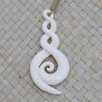 Maori Double Twist Pendant Curly Carving, Maori Necklace, Bali Bone Carving Jewelry