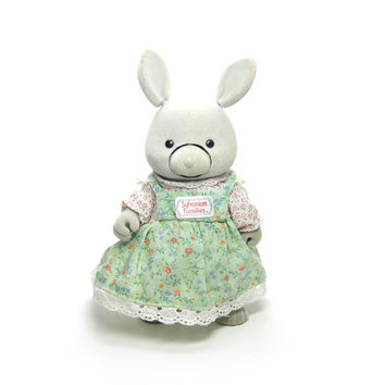 Sylvanian Families Bunny Vintage Star Performers Storytellin' Bunny Flocked Gray Lip Syncing Rabbit with Dress