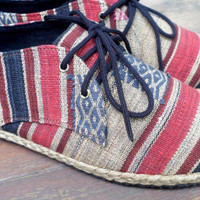 Men's Shoes Vegan Lace Up Oxfords In Tribal Naga Textiles