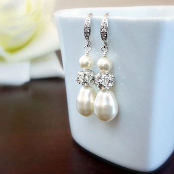 Pearl and Rhinestone Bridal Earrings, Pearl dangle earrings, Bridal pearl earrings, Bridesmaid earrings, Wedding earrings, Simple everyday