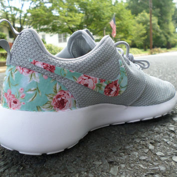 "Custom Nike Roshe Run ""Wolf Grey Floral"""