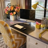 Lauren's Office Makeover / Great workspace and colors!