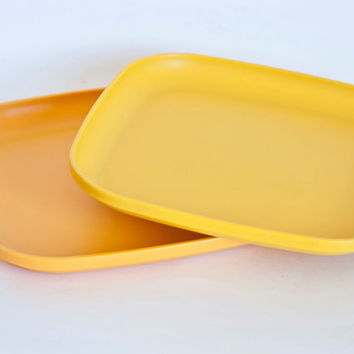 1970s Citrus Tupperware Square Plates, Kid's Luncheon Plate Replacements, Set of 2 Camping Dishes, Yellow and Orange