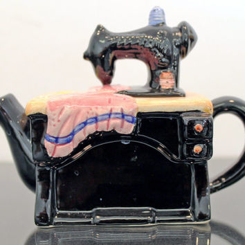 Vintage Sewing Machine Teapot Cardinal Inc 1993 Hand Painted Decorative whimsical Planter