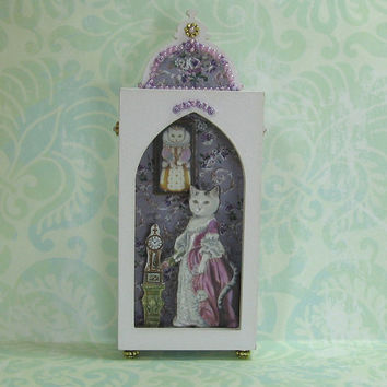Miniature Shadow Box in Pale Purple with Elegant Cat