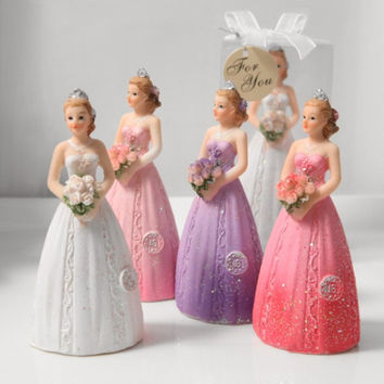Isabella Sweet 16 Figurine Favor