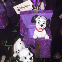 disney parks 101 dalmatians with present christmas ornament new with tag