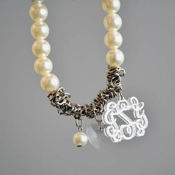 Vine Interlocking Script Monogram dangle on Pearls and chain Bracelet. Silver mirror monogram