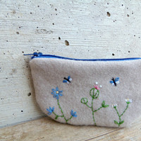 Felt and denim little purse. Embroidered pouch with flowers and butterflies in sand and blue. Recycled materials. Eco-friendly gift