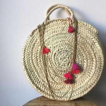 17 Inch Round French Market Basket Seagrass Natural Woven Bag with Necklace (NECKLACE SOLD SEPERATE) - African / Boho Feel - Handmade Tassel