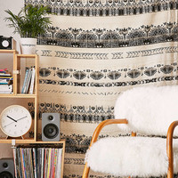 Harlow Textured Tapestry - Urban Outfitters