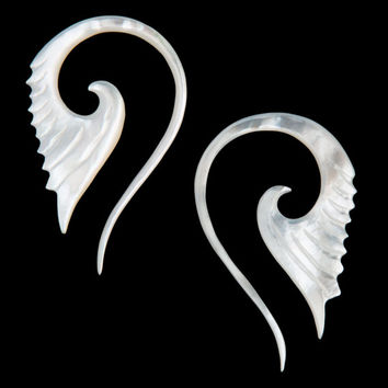 12G Pair Mother of Pearl Shell Glif Tail Spiral Gauged Earring Plugs Organic Piercing Jewelry 12 gauge