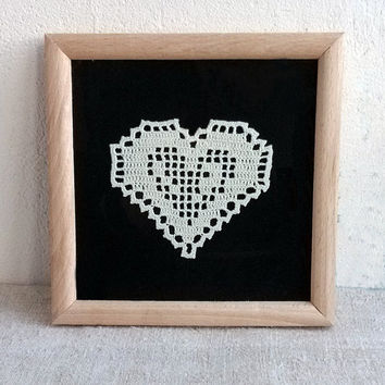 Framed ivory heart lace Crochet appliques shapes hearts Stunning design motif Beautiful crocheted gift idea Valentines day Christmas present