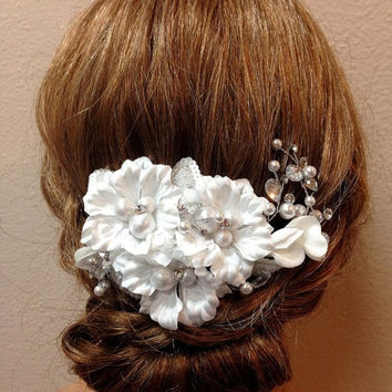 Bridal headpiece, white bridal hair jewelry, pearl crystal Rhinestone comb, Bridal Hair Comb, Wedding hair accessory, Bridal fascinator