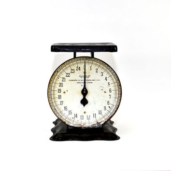 AWESOME Vintage Scale - Black Metal with White Face - Early 1900s - 25lb Decorative Kitchen Scale - Industrial Decor