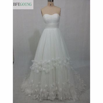 White Tulle A-line Wedding Dress Floor-Length Court Train  Sweetheart Strapless Lace up Real/Original Photos Custom made