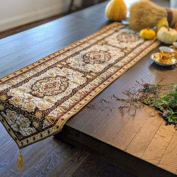 DaDa Bedding Elegant Woven Tapestry Table Runner, Golden Persian Rug Floral Damask (18119)