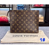 【Trulym】LV Women Makeup Bags Handbag Men's Business Bag Louis Vuitton Classic Clutch Bag