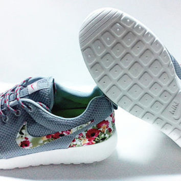 custom nike free roshe gray run athletic mens shoes with fabric flowers