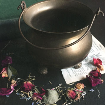 Vintage Brass Cauldron ~ For Witches Altar