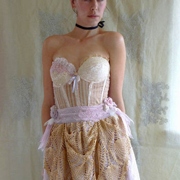 Antoinette Bustier Wedding Dress... size Medium 36B... Eco Friendly Recycled