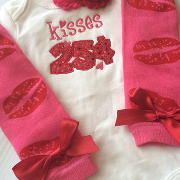 Baby Girl Outfit - Baby Valentines Day outfit - kisses 25 cen. 7da2040e8