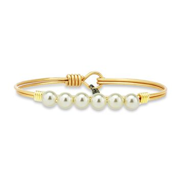 Crystal Pearl Bangle Bracelet In Classic White