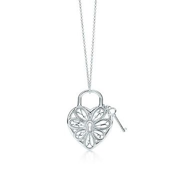 Tiffany & Co. -  Tiffany Filigree Heart pendant with key in sterling silver, medium.