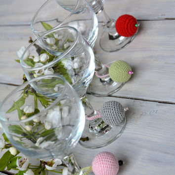 Wine glass charms. Crochet drink markers. Wine glass cozy. Set of 4. Wine rings. Wedding table decor. Wine hoops.