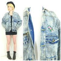 80s vintage acid wash denim coat / Retro jean jacket / blue zipper oversized grunge coat / Chunky zipper pockets / Rose print embroidered