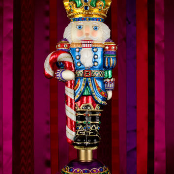 Small Nutcracker Figurine - Jay Strongwater
