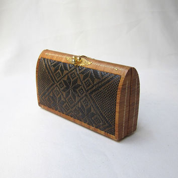 Vintage 1990s lacquered woven straw tribal ikat clutch purse