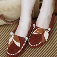 Rust Brown Feather Moccasins by darlingtonia on Etsy
