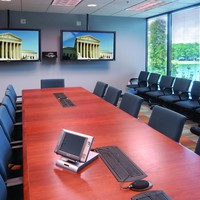 Conference Room TVs vs. Projector Screens | Ubiq