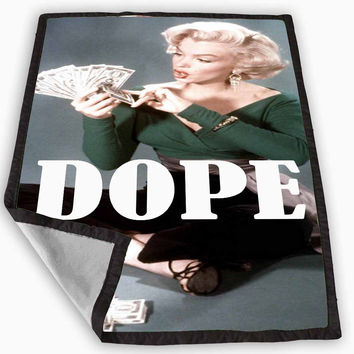 Marylin Monroe dope Blanket for Kids Blanket, Fleece Blanket Cute and Awesome Blanket for your bedding, Blanket fleece *