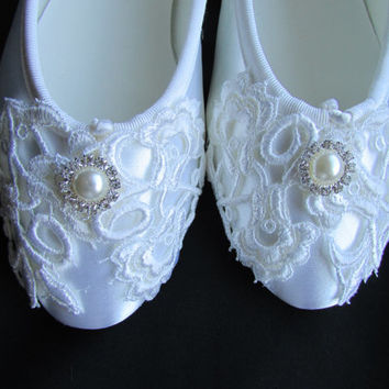 Wedding Shoes - Ballet Flats, Vintage Lace, With Pearl rhinestone, Victoria Bridal Shoes