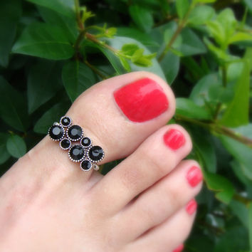 Toe Ring - Big Toe - Black Crystal Rhinestones - Silver Metal - Stretch Bead Toe Ring