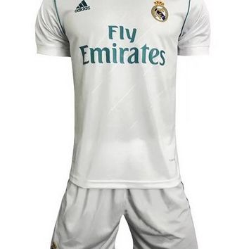 Real madrid home jersey 17/18 + shorts