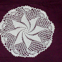 Pinwheel Doily by amydscrochet on Etsy