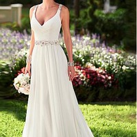 Buy discount Elegant Chiffon Spaghetti Straps Neckline Natural Waistline Sheath Wedding Dress at Dressilyme.com