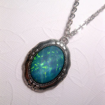 Aquarium Mood Necklace - Sparkly - Irridescent - Turquoise Green - Water - Tropical - Shimmer - Long Necklace