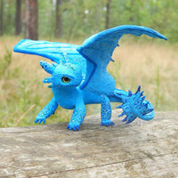 Toothless Night Fury dragon figurine sculpture how to train your dragon