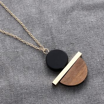 2018 New Geometric Circular Resin Wood Pendant Gold Chain Long Necklace for Men's