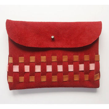 WOVEN CLUTCH (m) // red peach pink