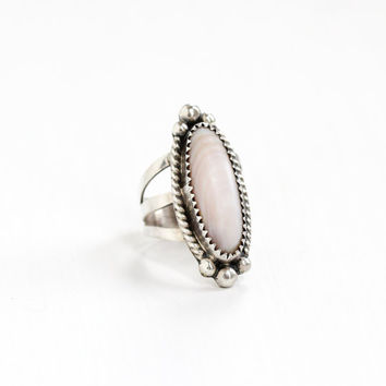 Vintage Sterling Silver Shell Ring - Size 6 1/2 Retro Southwestern Native American Style White Pink Beige Banded Seashell Statement Jewelry