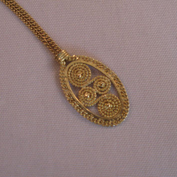 Vintage Handmade 14k Gold Quilled Filigree Italian Motif with Chain