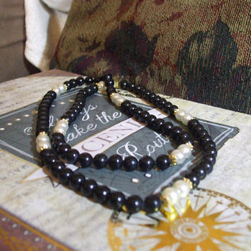 Vintage Handmade Black Onyx 8mm and Pearl 8mm Beaded Long Boho Day to Evening Necklace