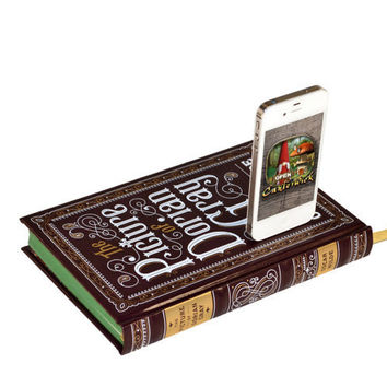 The Picture of Dorian Gray Book Charger for iPhone by CANTERWICK